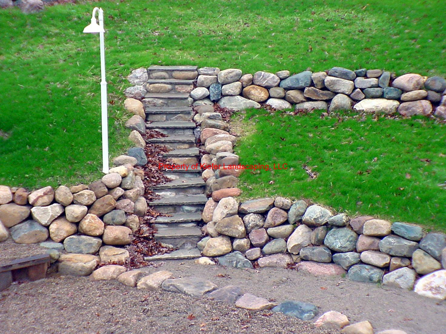 Retaining walls gallery for Landscape retaining wall design